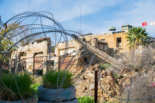 Barbed wire near border sparks concern